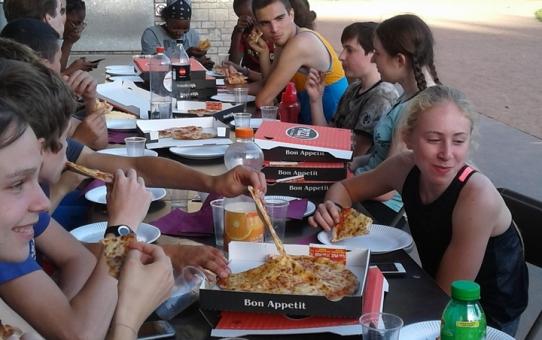 Pizzafestijn na de CAD+ training